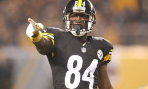 Dec 6, 2015; Pittsburgh, PA, USA; Pittsburgh Steelers wide receiver Antonio Brown (84) gestures at the line of scrimmage against the Indianapolis Colts during the second quarter at Heinz Field. Mandatory Credit: Charles LeClaire-USA TODAY Sports ORG XMIT: USATSI-224828 ORIG FILE ID: 20151206_mta_al8_252.JPG