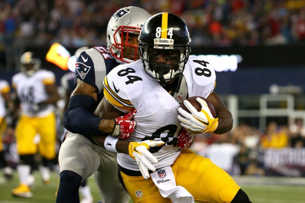 FOXBORO, MA - SEPTEMBER 10: Antonio Brown #84 of the Pittsburgh Steelers runs after a catch against Malcolm Butler #21 of the New England Patriots in the first half at Gillette Stadium on September 10, 2015 in Foxboro, Massachusetts. (Photo by Jim Rogash/Getty Images)